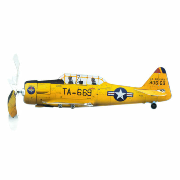 north-american-at-6-texan-gartendekoration